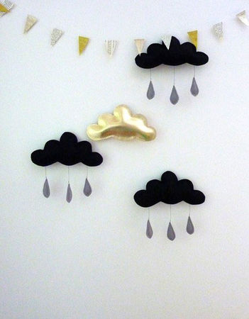 The_Butter_Flying_Gold_cloud