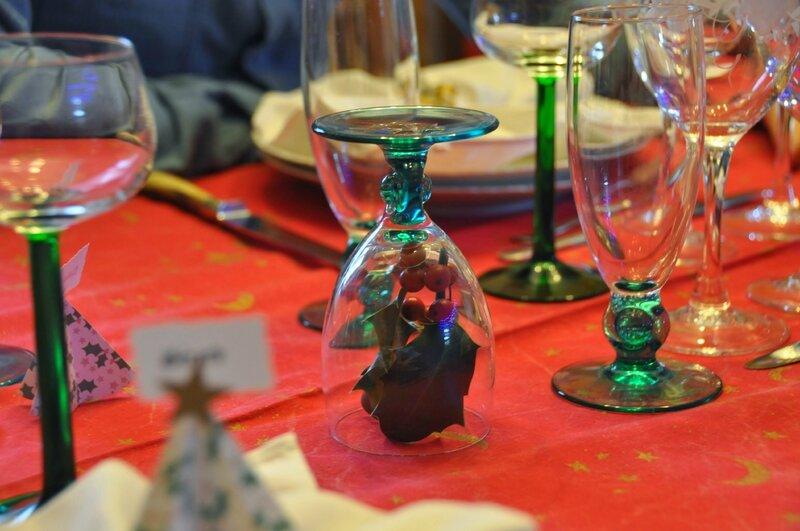 No l l 39 occasion de faire une belle table couture tricot scrap - Faire une belle table ...