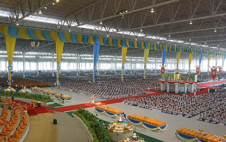 Sapha_Dhammakaya_Hall_12b
