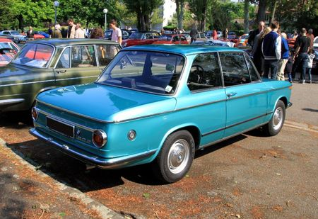 Bmw 1802 berline 2 portes (Retrorencard mai 2011) 02
