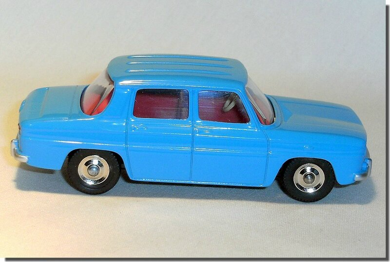 Dinky Atlas Renault R8 bleue A 04
