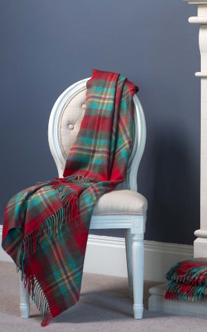 luxury cashmere throw royal stewart tartan 595 livres sterling (5)
