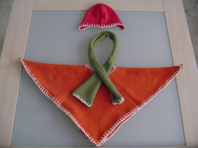 Poncho + écharpe + bonnet Phildar /18-24 mois