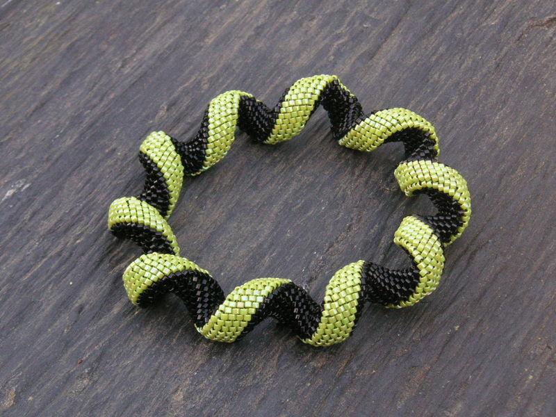 Bracelet spirale chartreuse et noir