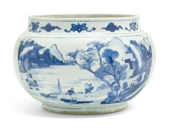 A blue and white globular jar, Kangxi period (1662-1722)