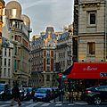 Scène de rue parisienne.
