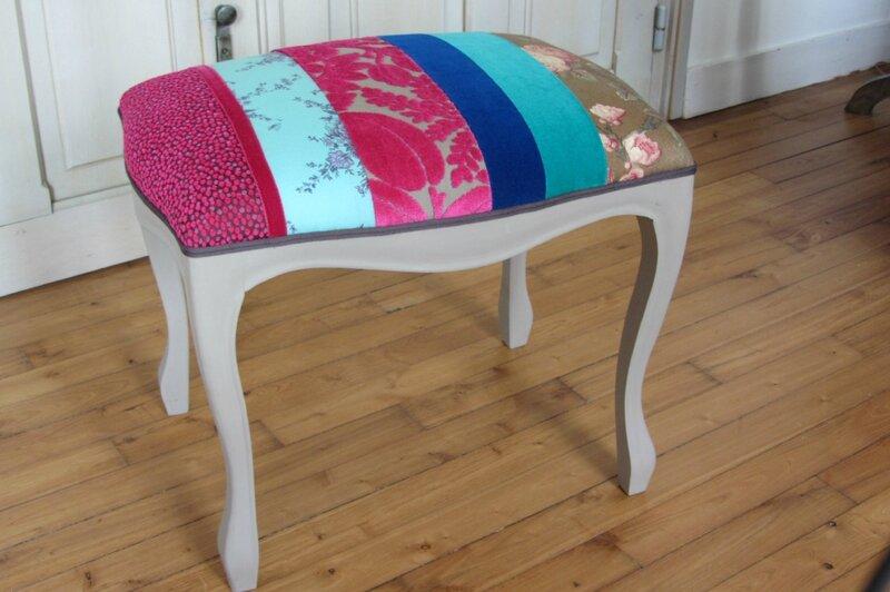 repose pied en patchwork tapissier à Brest