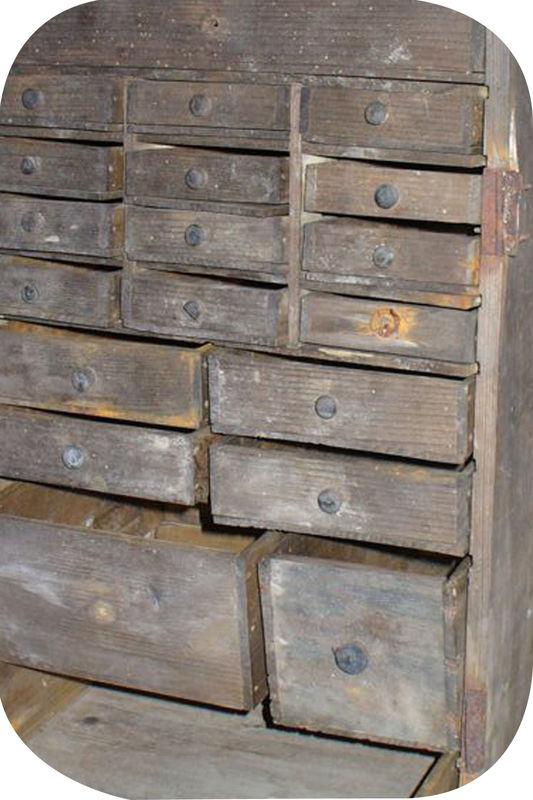 Les travaux d 39 hercule de mac gyver barnab aime le caf for Restaurer meuble en bois