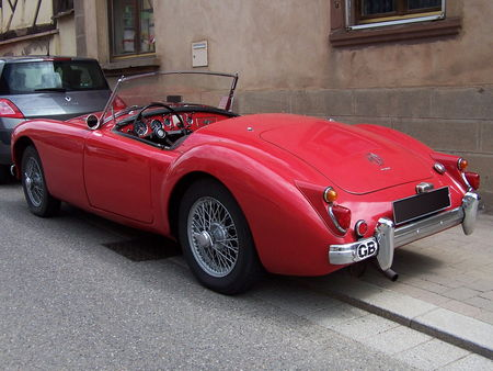 MG_MGA_1600_Roadster__2_