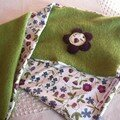 Echarpe en laine bouillie vert anis et tissu Liberty Mirabelle