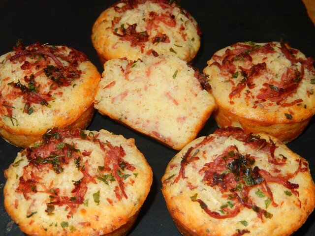Muffins fromages lardons