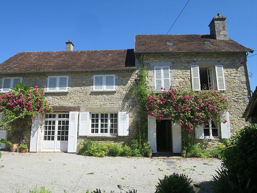 Une maison un jardin et du ciel bleu chez henriette l - Une maison un jardin berthenay versailles ...