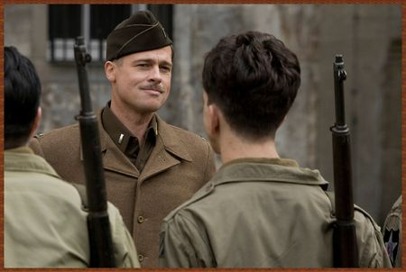 1235683507_Wallpaper_Inglorious_Bastards_2009_Brad_Pitt_resize_photo_HQ_1600x1073