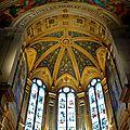 Sous la nef de l'église Sainte-Trinité.