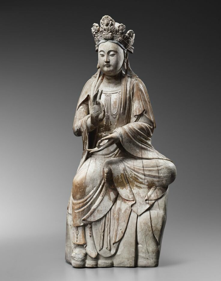 Large wood sculpture of Guanyin, Song Dynasty (960-1279)