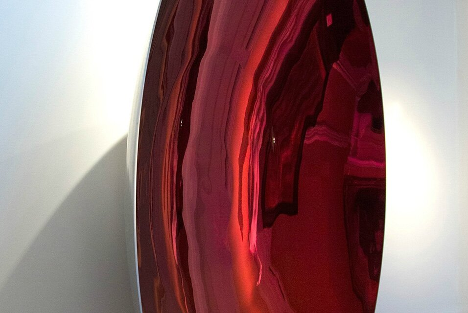 Anish Kapoor sculpture 'Blood Mirror' surprises with surface and sound effects