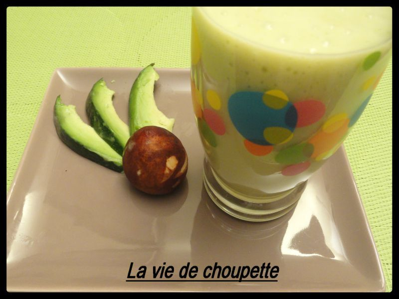 SMOOTHIE MANGUE-AVOCAT ET LAIT D'AMANDES