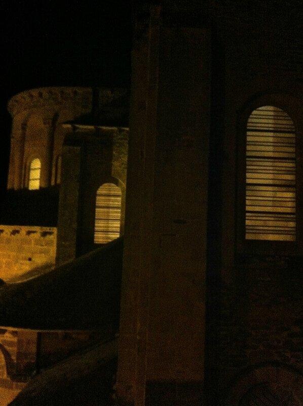 Conques vitraux de Pierre Soulages