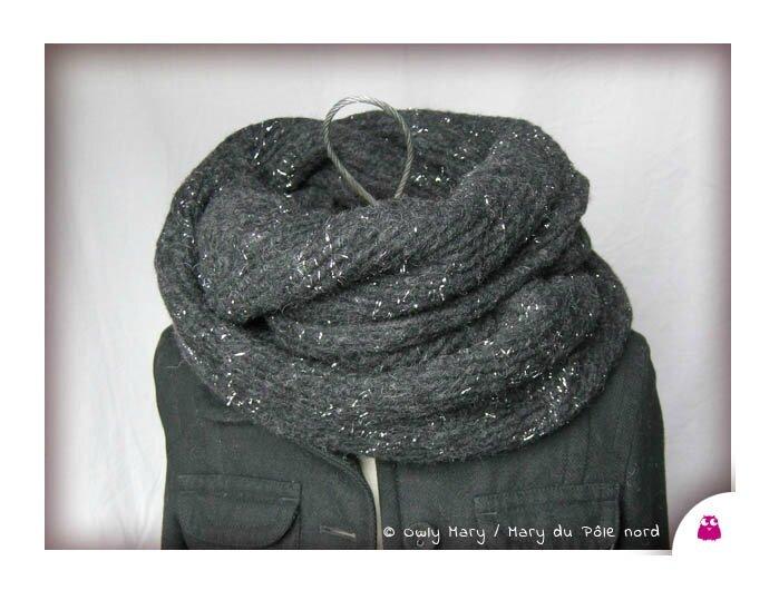 DSCN0037-tour-de-cou-snood-echarpe-foulard-ado-adulte-femme-mixte-laine-lainage-chine-noir-gris-anthracite-fonce-fils-argente-brillant-lurex-cote-owly-mary-du-pole-nord