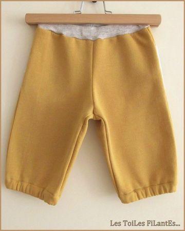 07-Tee-shirt couronne et pantacourt moutarde