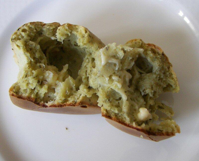 Muffins au pesto et au gouda
