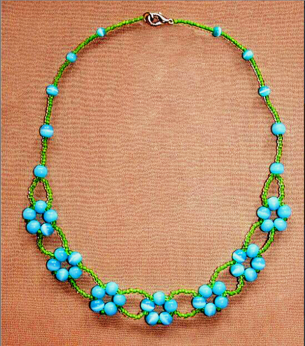 flower-beaded-necklace