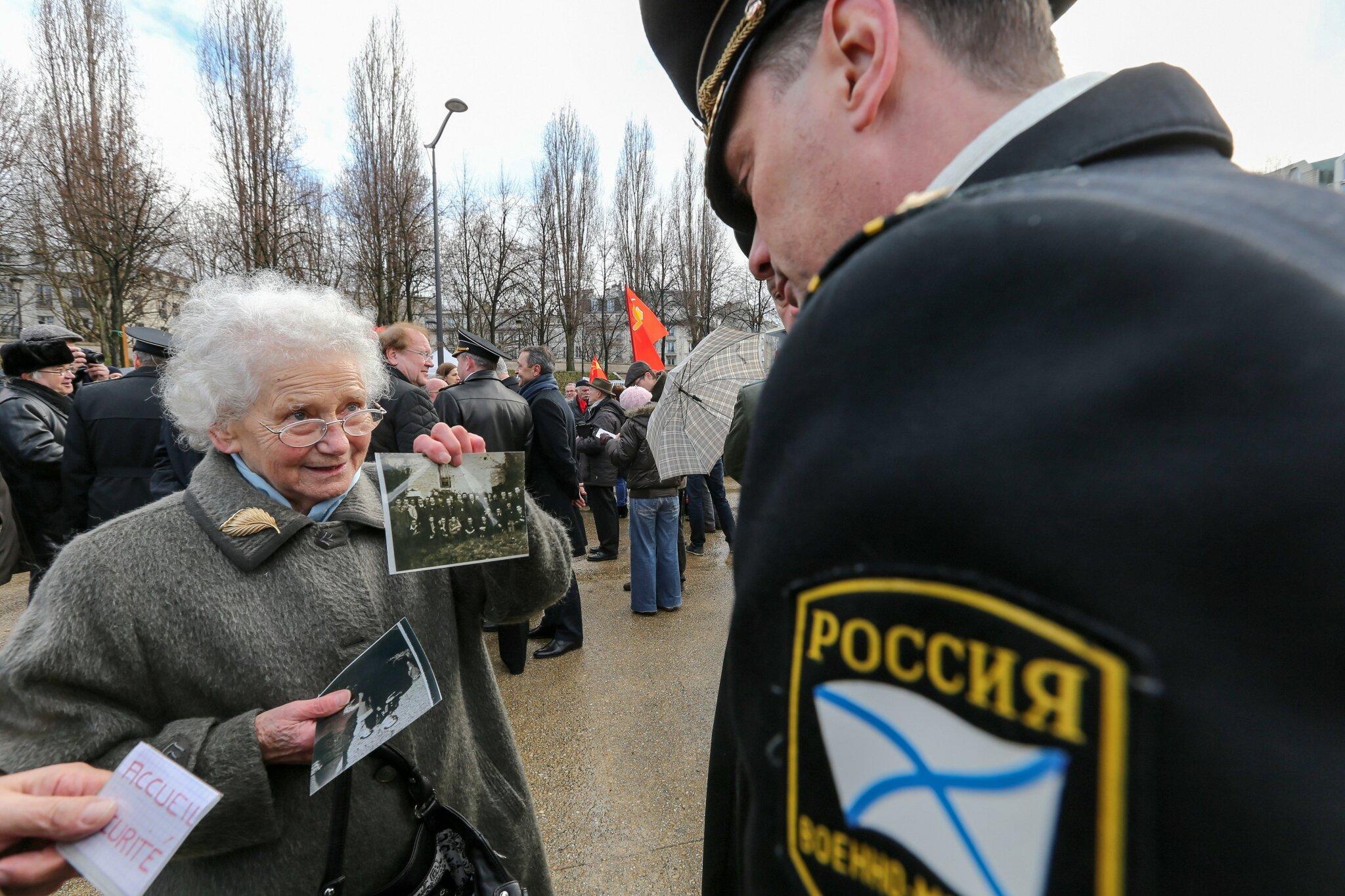 Il y a 70 ans, la bataille de Stalingrad : commémoration à Paris. © Michel Stoupak. Sam 02.02.2013, 15:54.