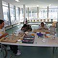 Cours de poterie à l'association des paralysés de france