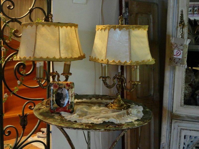 paires de lampes bouillottes et rats de cave en bronze papou ponce mamou pique. Black Bedroom Furniture Sets. Home Design Ideas