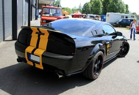 Ford mustang GT avec kit Shelby (RegioMotoClassica 2011) 02