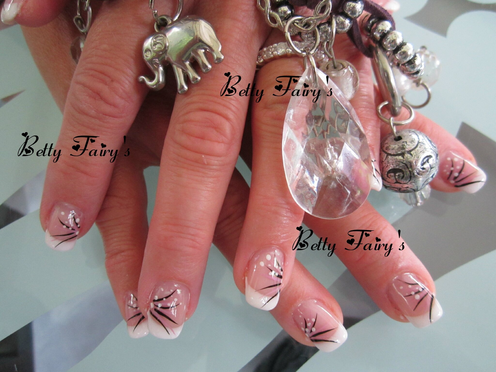 ongles pour mariage noir et blanc. Black Bedroom Furniture Sets. Home Design Ideas