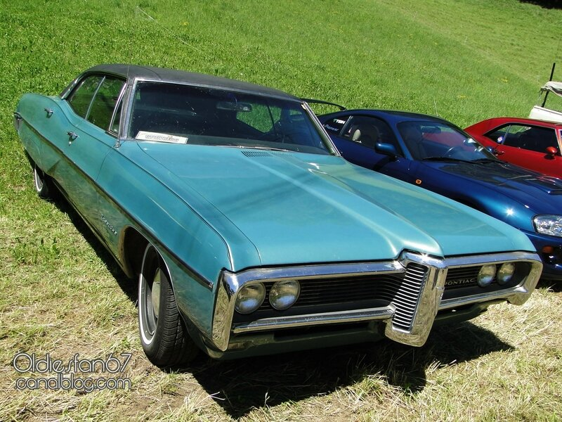 pontiac-executive-hardtop-sedan-1968-01