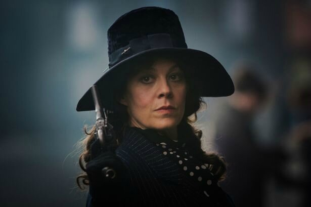 Helen-McCrory-as-Aunt-Polly-in-Peaky-Blinders