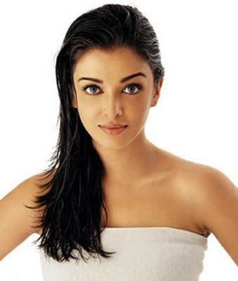 Aishwarya Rai, Vidya, Rani and Mallika- Bollywood Hot and Top kisses-actresses