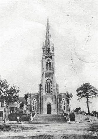 Bourg des Comptes, église Notre Dame