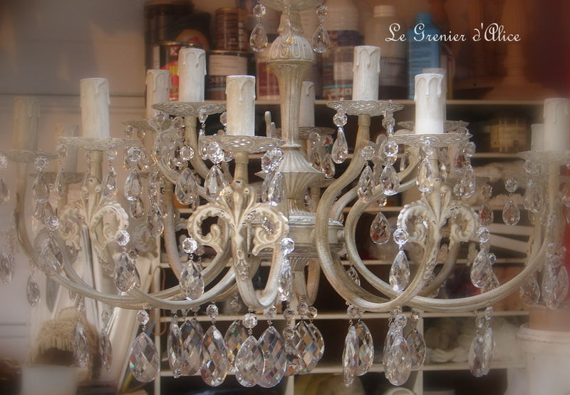 lustre 15 branches patine lin pampilles cristal decoration de charme shabby photo de lustres. Black Bedroom Furniture Sets. Home Design Ideas
