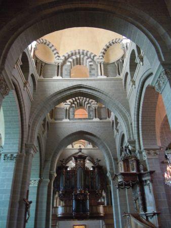 Cathédrale Le Puy intérieur