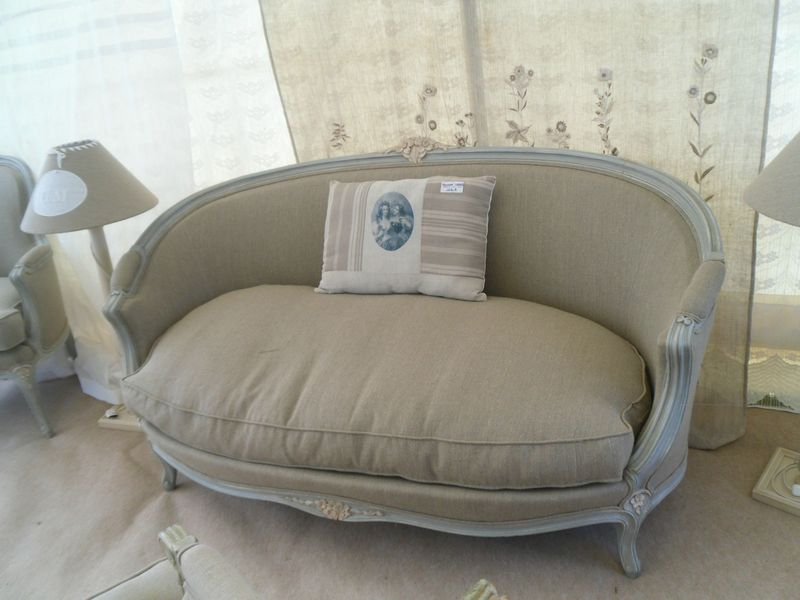 Canap corbeille style louis xv peint et patin gris tissu for Canape style louis 15