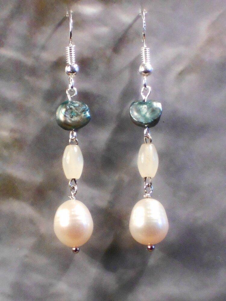 5 Boucles d'oreille en perle de culture rose et blanche, perle teintée et nacre - 5 euros