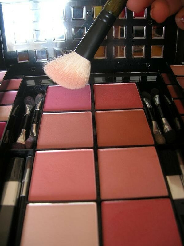 24. blush rose de la palette avec le pinceau 168SE