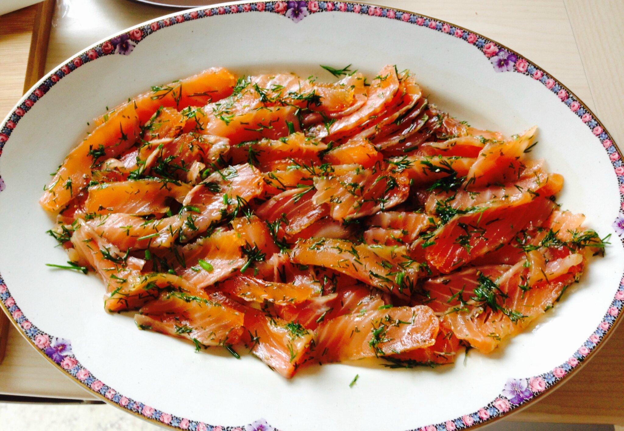 Saumon marin sauce gravlax marc leri ou les - Saumon gravlax rapide ...