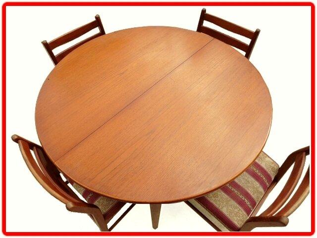Table + 4 chaises design danois JENTIQUE