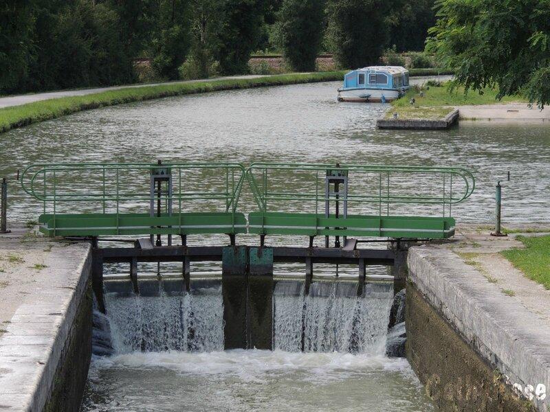 && Canal du Nivernais à Châtel Censoir (12)
