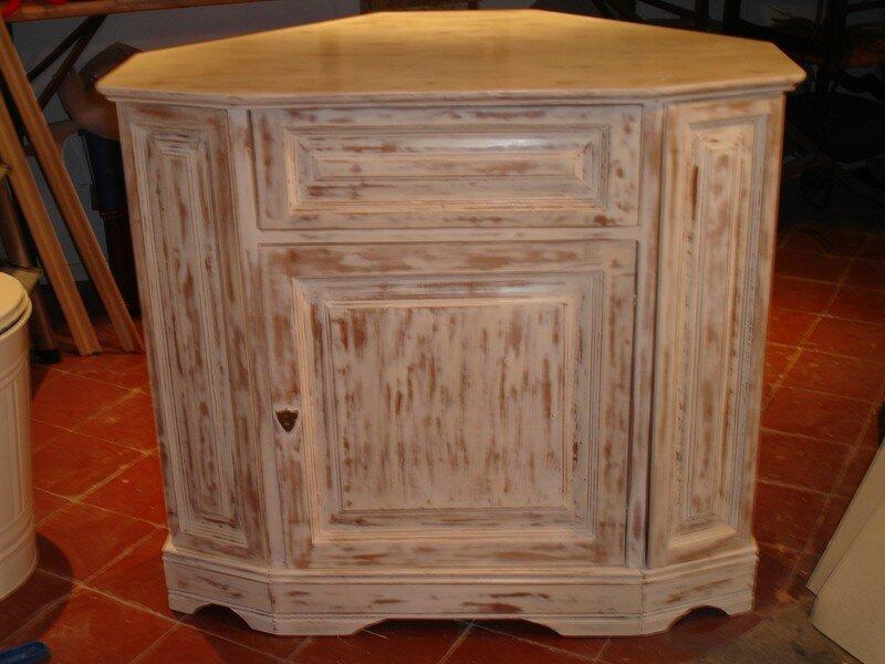 meuble tv rajeunit par une patine chaul e photo de nos l ves ont du talent l 39 epicerie. Black Bedroom Furniture Sets. Home Design Ideas