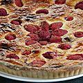 Tarte a la rhubarbe, fraises et framboises