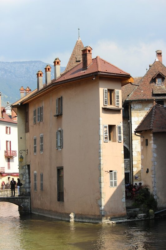 Annecy 386--