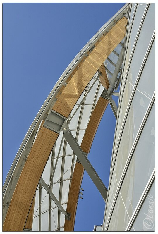 Paris_Fondation_L_V_voile
