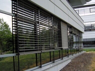 Brises soleil orientable sur mesure des stores tr s d co for Store exterieur lame orientable