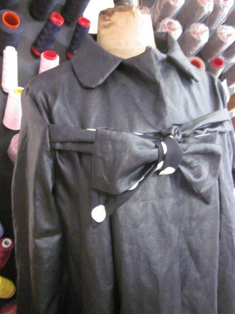 Ciré en lin enduit noir et noeud en lin endruit et coton noir à gros pois blancs - taille 50 (6)