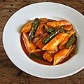 Sauce rouge: une histoire de topokki, une histoire coréenne